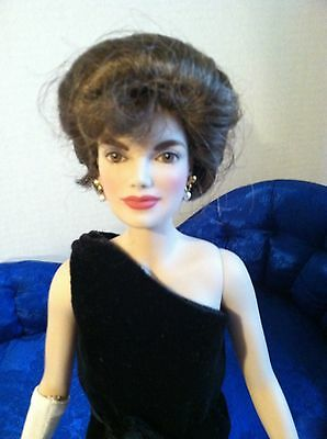 "Franklin Mint Jackie 16""Vinyl Doll in Black Sheath Gown w/Earrings~NO Stand"