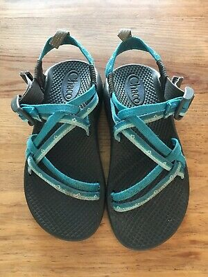 b0a1cb4f9fc6 CHACOS GIRLS YOUTH Sandals Size 2 -  29.99