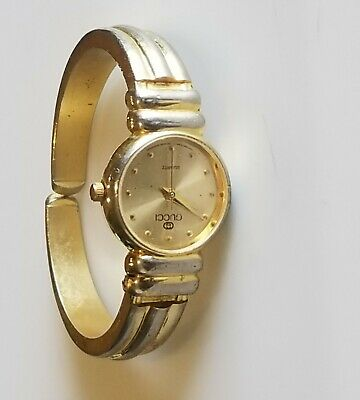 a8c0e1d582b VINTAGE GUCCI Gold Plated Stainless Steel Women s Quartz Watch ...