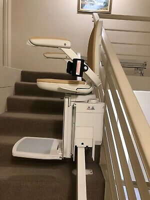 Acorn Curve 180 Stairlift - Barely Used, In Very Good Condition