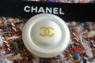 💔💕💖💗❤💘💝💞💟CHANEL BUTTONS  lot 2 LOGO CC size 20 mm White & Pearl & Gold