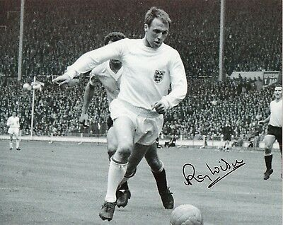 RAY WILSON Signed In Person 10x8 Photo ENGLAND & EVERTON Legend Proof COA