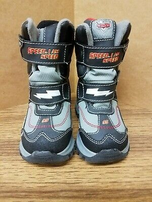 13425959d482 Disney Cars Toddler Boys Snow Boots Size 7 Lightning McQueen Buster Brown