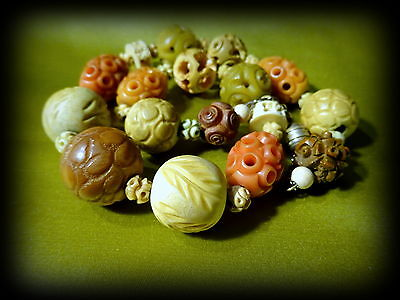 Intricately Carved Galalith Early Plastic Beads Necklace French Art Deco Vtg