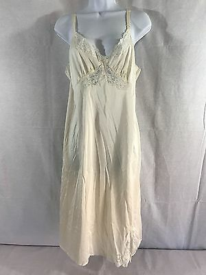 EUC Vintage Shadowline Lingerie Nightgown size 38 Lacy & Sexy