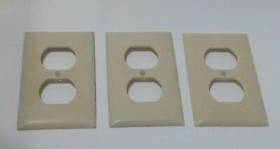 3 Vintage Sierra Electric Company Ivory Bakelite Duplex Outlet Covers  Plate