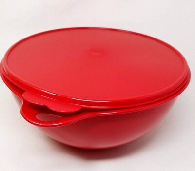 Tupperware  Thatsa Mixing  Bowl 32 Cup Color Red New!!!