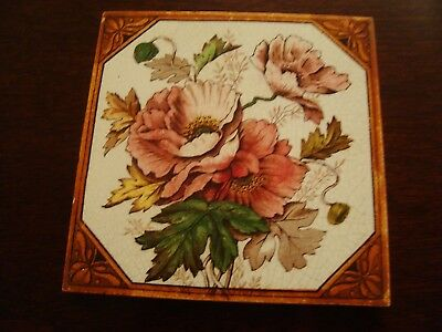 Charming Antique Floral Tile 19/70