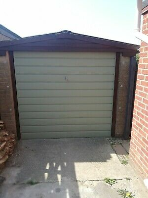 Used pre-fabricated building / garage