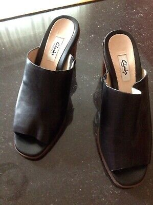 WOMEN CLARKS SANDALS BLACK HIGH HEELS LEATHER SIZE 7 Uk Used