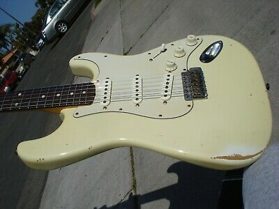 1996 Fender Custom Shop Cunetto Stratocaster 1960's Relic Olympic White