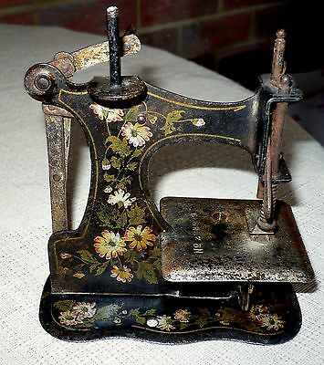 "ANTIQUE MULLER RARE TOY SEWING MACHINE  NO BASE,No.6?8929 ""5 x5"""