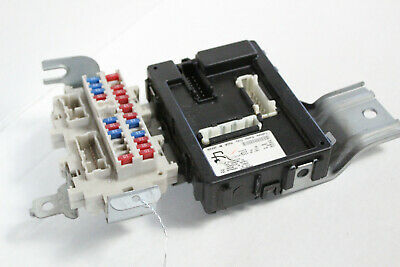 2003-2004 infiniti g35 fuse box with body control module j7676