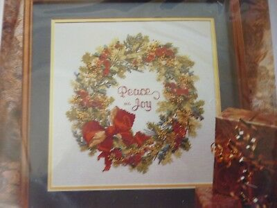BUCILLA SILK Ribbon Embroidery Kit~CHRISTMAS WREATH #83304 (1995)~Christmas~NEW