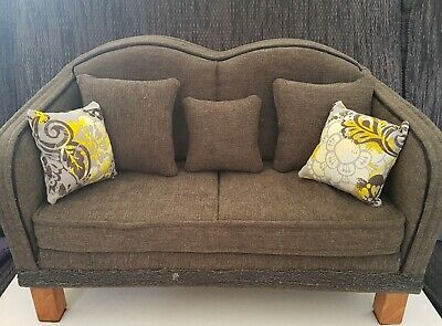 Couch for 16- 18 inch Dolls.