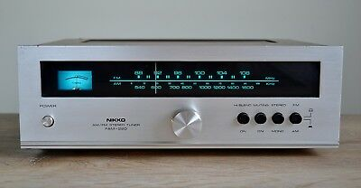Nikko FAM-220 Vintage AM/FM Stereo Tuner Made in Japan Wooden Cover 1985