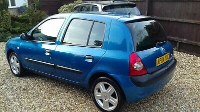 Renault Clio. Dynamique. 5 Door Hatchback. Full Service History From New.