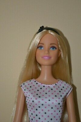 Barbie Doll In Excellent Used Condition #T1 Never Played With
