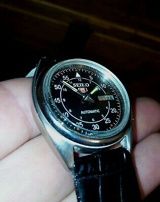nice gents vintage retro seiko 5 automatic day/ date 7009 watch
