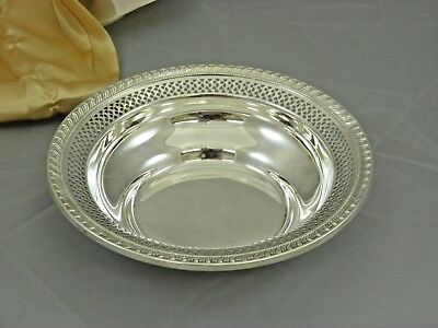 STERLING SILVER  ROUND LACE BOWL 106 gr.