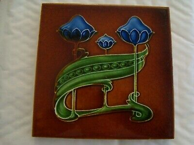 Boote Art Nouveau floral and pea tile     20/32