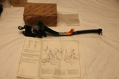 NOS Toyota Celica AT160 ST162 1985-1987 Belt Assy, Front Seat Outer, Rh