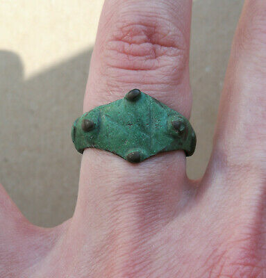 Authentic Medieval Viking Era Bronze Ring With *dragon Claw Bezel* Green Patina