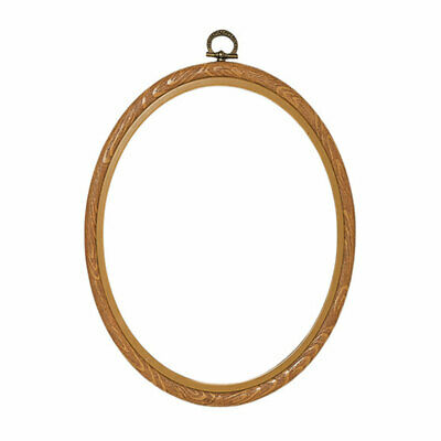 Plastic Oval Frame Display Needlecraft Pieces | Natural | 20 x 25cm
