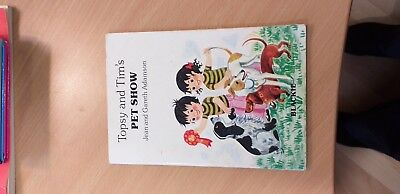 Topsy and Tim's Pet Show by Jean and Gareth Adamson