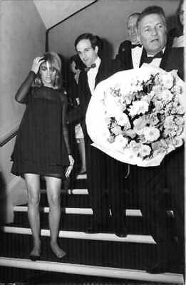 Julie Frances Christie with friends, stepping down. - 8x10 photo