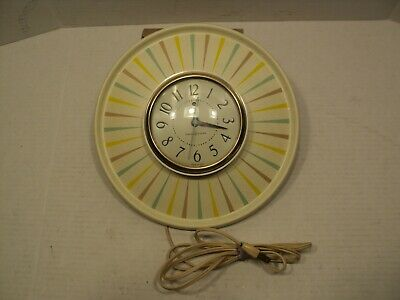 vintage Kitchen electric wall clock works perfect