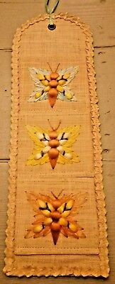 Vintage Retro Kitsch Wall Organiser With Storage Pouches Straw Letters Raffia
