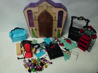 MONSTER HIGH SCHOOL Playset Fold out Portable Doll House MATTEL + Accessories