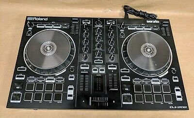 Roland DJ-202 2-Channel Serato DJ Controller with Drum Machine - Nice!