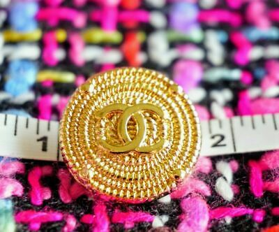 Chanel Buttons lot of 4 Logo CC  20 mm or 0,8 inch Metal Gold