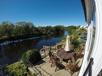 5* Riverside Openplan Cottage Mobility Dog Friendly Private Fishing