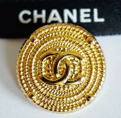 ❤💙💚CHANEL1 BUTTON CC LOGO 0.8 inch 20 mm GOLD TONED METAL