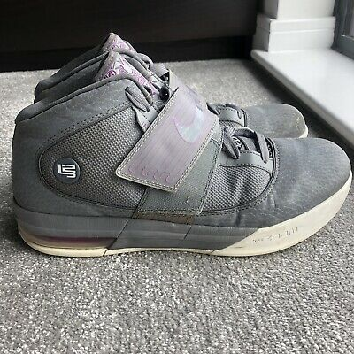 e12831e5c56 NIKE ZOOM SOLDIER IV TB LeBron James Basketball King James Lion Sz ...
