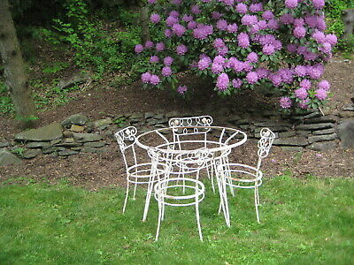 Vintage Woodard Patio Table And Four Chairs