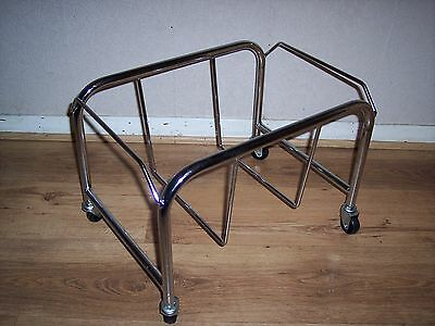 Wire & Plastic Shopping Basket Mobile Stand