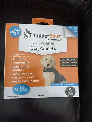 NEW THUNDERSHIRT For Dog Anxiety SOLID GRAY NEW LOOK SIZE Small 15-25 lbs S