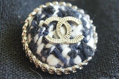 CHANEL BUTTON 1pies CC LOGO 1 inch 25 mm Silver  TONE METAL TWEED   BROOCH