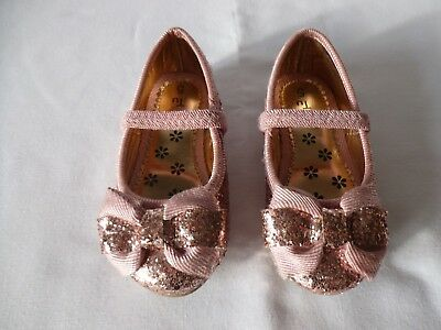 Girls Party Shoes Tu Size 5 Glitter Pink With Bow Worn Once