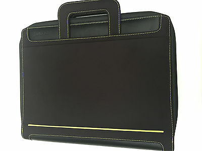 Filofax A4 Circuit Zipped Folder with Handels and amovible rings Black