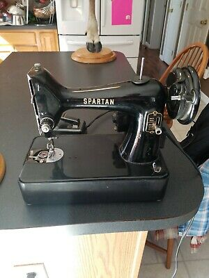 Vintage 1960 Singer Spartan 192K Sewing Machine Simanco RFJ9-8 UK