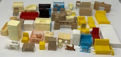 Vintage MAR And Plasco Plastic Dollhouse Furniture,  Lot of 52 (19-647)