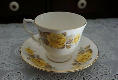 VINTAGE Queen Anne Yellow Rose Footed Teacup and Saucer #8616, England