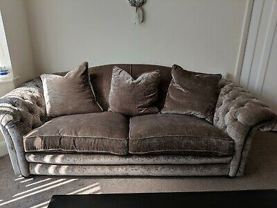 DFS Warwick Chesterfield Crushed Velvet Mink Sofa 4 Seater - Amazing condition