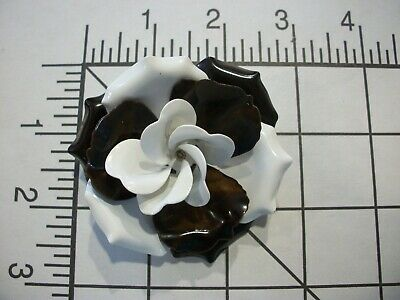 AMAZiNG QUALiTY~VTG MeTaL ENaMeL~LaYeReD~WRaP PeTaLs~((HUGE)) RoSe PiN~BRN~WHiTE