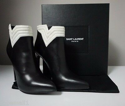 051c28f15b1 YSL Yves Saint Laurent Nero/Porcellana Leather Pointed-Toe Ankle Boots Size  39